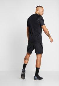 Nike Performance - DRY STRIKE SHORT - Korte broeken - black/anthracite - 2
