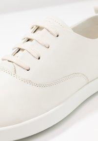 ECCO - LEISURE - Sneakersy niskie - shadow white - 2