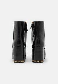 Tory Burch - RUBY BOOTIE - Kotníkové boty na platformě - perfect black - 3