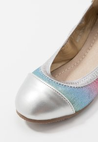 Walnut - CATIE SHIMMER - Ballet pumps - rainbow - 2