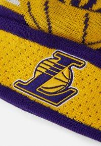 Outerstuff - NBA LA LAKERS LOCKER ROOM UNISEX - Mütze - purple - 3