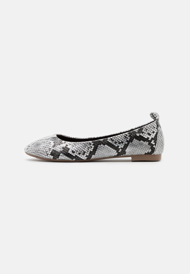 Bailarinas - white/black/grey