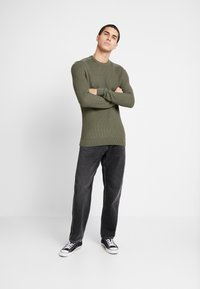 Zign - MUSCLE FIT MILITARY - Jumper - green - 1