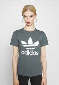 adidas Originals - TREFOIL TEE - T-shirt imprimé - blue oxide - 0