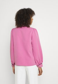 Sister Jane - GEM PLAYER BOW BLOUSE - Button-down blouse - pink - 2