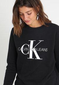 Calvin Klein Jeans - CORE MONOGRAM LOGO - Sweater - black - 4