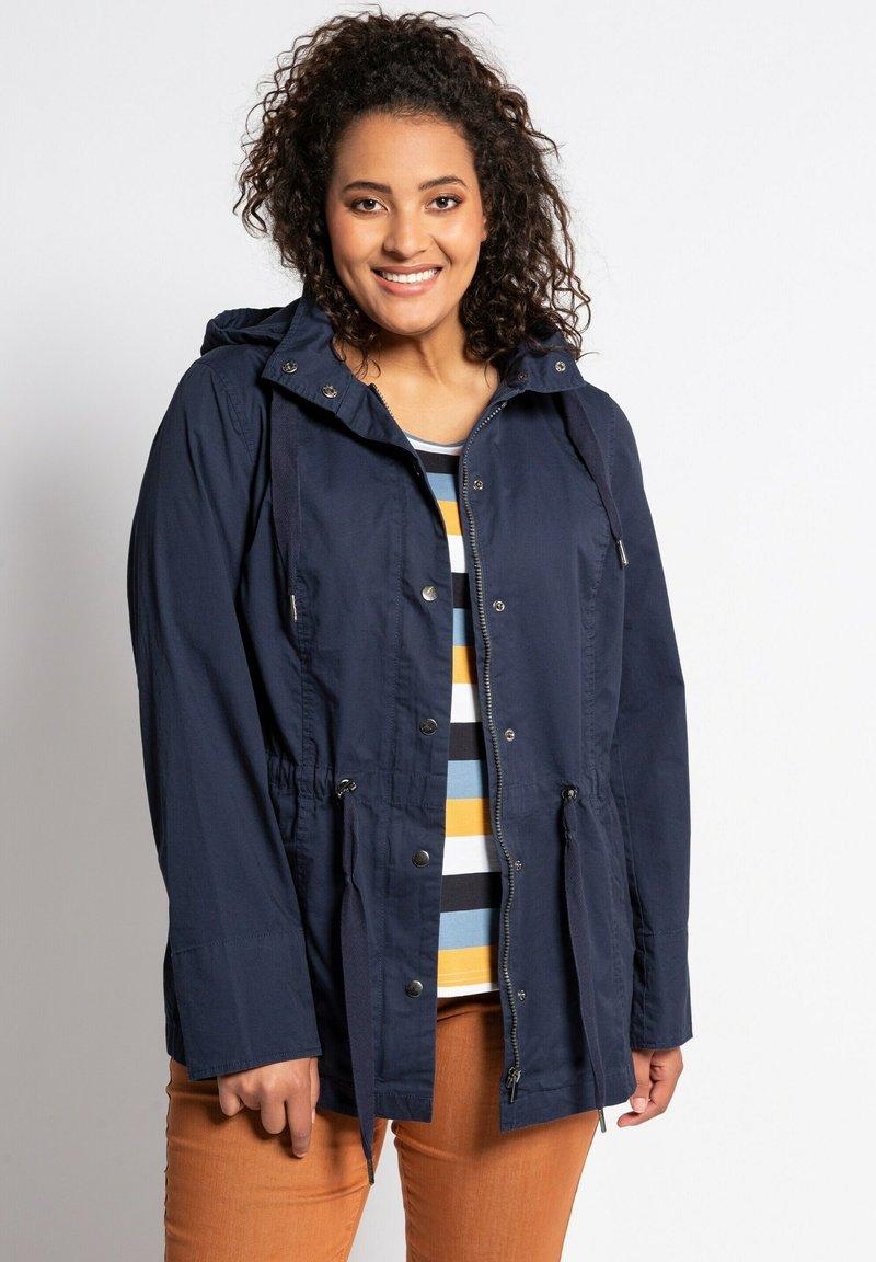 Ulla Popken - Light jacket - bleu marine