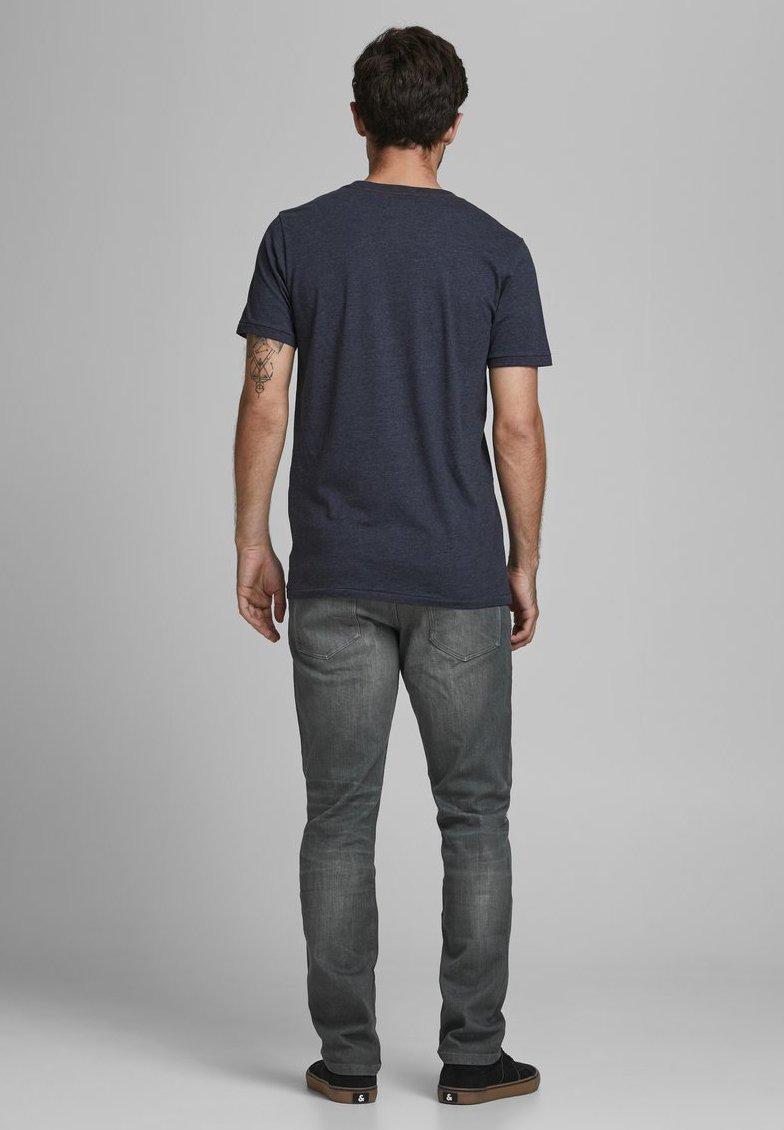 Designer Factory Outlet Men's Clothing Produkt Relaxed fit jeans light grey denim DQ2C9K9QF MPjtdMHbM