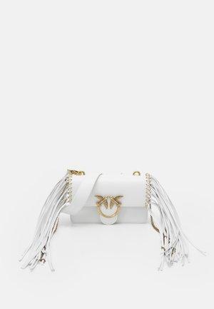 EXCLUSIVE LOVE MINI ICON FRINGES - Across body bag - white