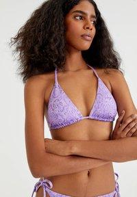 PULL&BEAR - MIT PRINT IN ROSA - Bikini top - purple - 3