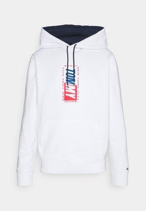 ESSENTIAL HOODIE - Sweatshirt - white