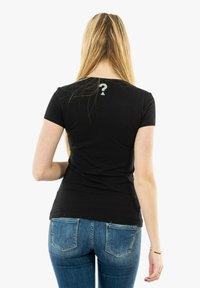 Guess - Print T-shirt - noir - 2