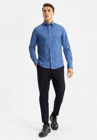 WE Fashion - Shirt - blue/grey - 1