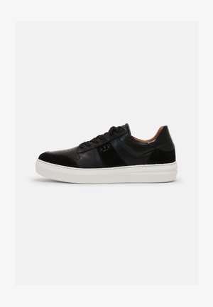 AREN COURT  - Sneakers laag - black/white