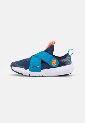 FLEX ADVANCE - Sneakersy niskie - midnight navy/white/imperial blue/orange