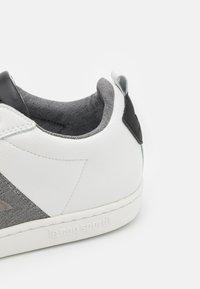 le coq sportif - COURTCLASSIC - Joggesko - optical white/grey denim - 5
