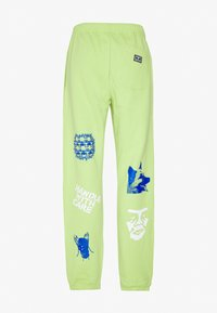 Obey Clothing - CHOSEN ALL EYEZ - Tracksuit bottoms - key lime - 1
