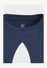 adidas Originals - TREFOIL - Print T-shirt - conavy/white - 1