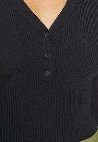 Weekday - FLAVIA - Long sleeved top - black - 5