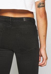 Vero Moda Petite - VMTERESA MR JEANS  - Jeans Skinny Fit - black - 5
