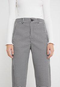 CLOSED - LUDWIG - Kalhoty - black - 4