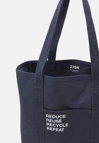 Zign - Shoppingväska - dark blue - 2