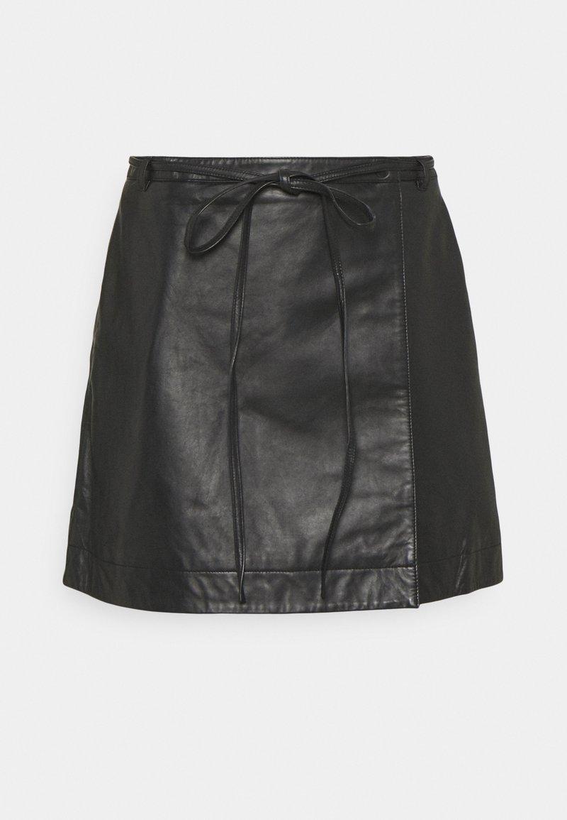 Selected Femme Petite - SLFRALLA SKIRT - Mini skirt - black