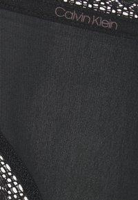 Calvin Klein Underwear - BOTTOMS UP REFRESH THONG - Stringit - black - 6
