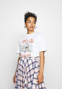 Topshop - MOTLEY CREW TEE BY AND FINALLY - Print T-shirt - white - 0