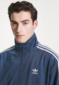 adidas Originals - FIREBIRD ADICOLOR SPORT INSPIRED TRACK TOP - Training jacket - marin - 4