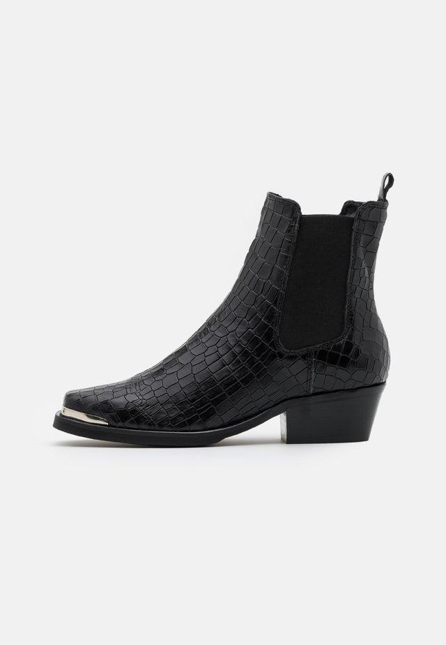 ELLE - Korte laarzen - black