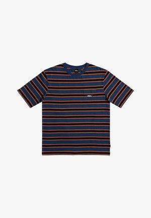STRIPE  - Print T-shirt - og quik stripe dark denim
