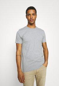 KnowledgeCotton Apparel - ALDER TEE 2 PACK - T-shirt - bas - grey melange - 3