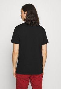 CLOSURE London - EARTH TEE - T-shirt imprimé - black - 2