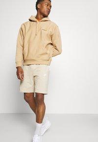 Nike Sportswear - MIX - Shorts - grain/coconut milk/ice silver/white - 4