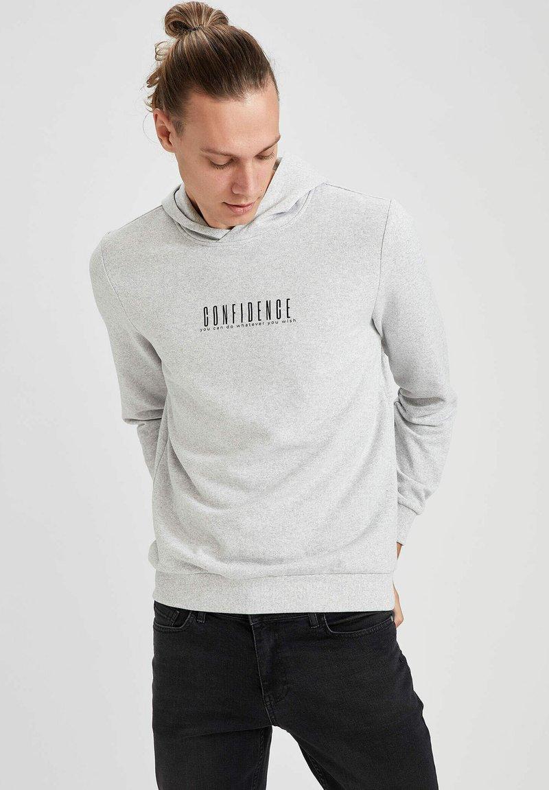 DeFacto - Hoodie - grey