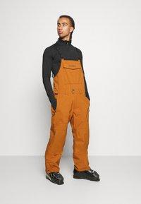 O'Neill - SHRED BIB PANTS - Zimní kalhoty - glazed ginger - 1