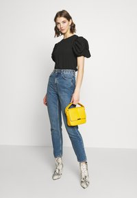Even&Odd - Across body bag - yellow - 1