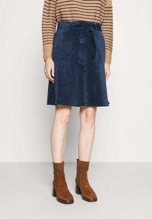 SHORT - Áčková sukně - tender blue