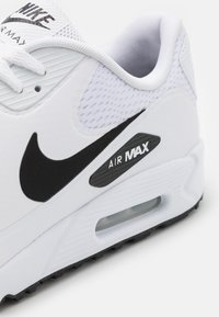 Nike Golf - AIR MAX 90 G - Zapatos de golf - white/black - 5