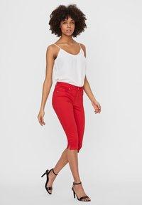 Vero Moda - VMSEVEN - Denim shorts - goji berry - 1