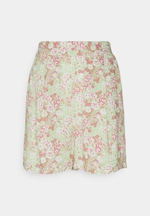 EXCLUSIVE AYDEN - Shorts - green