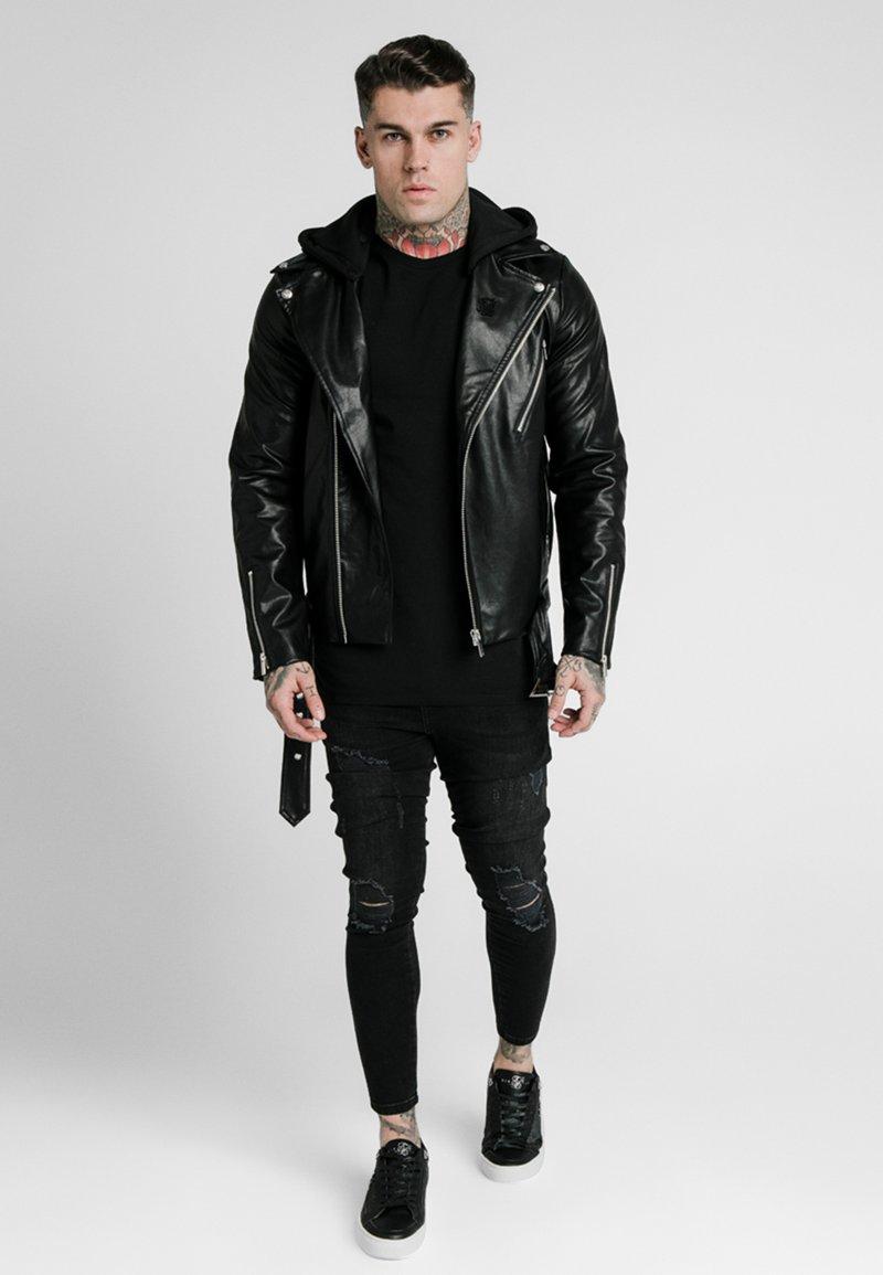 SIKSILK - BIKER - Chaqueta de cuero sintético - black