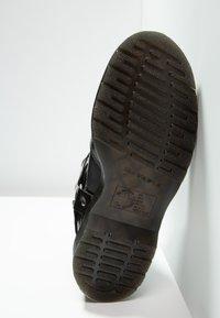 Dr. Martens - WINCOX CHELSEA BOOT - Kotníkové boty - black smooth - 4