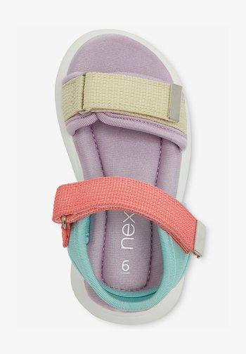 Walking sandals - lilac