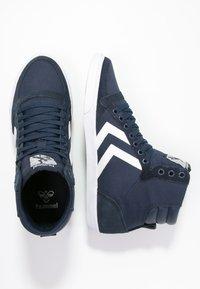 Hummel - SLIMMER STADIL - Sneakers hoog - dress blue/white - 1