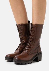 Zign - Šněrovací vysoké boty - dark brown - 0