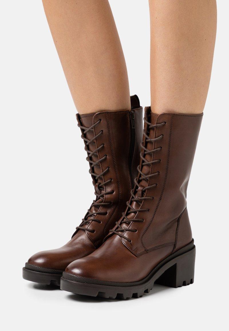 Zign - Šněrovací vysoké boty - dark brown