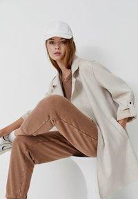 PULL&BEAR - Short coat - grey - 8
