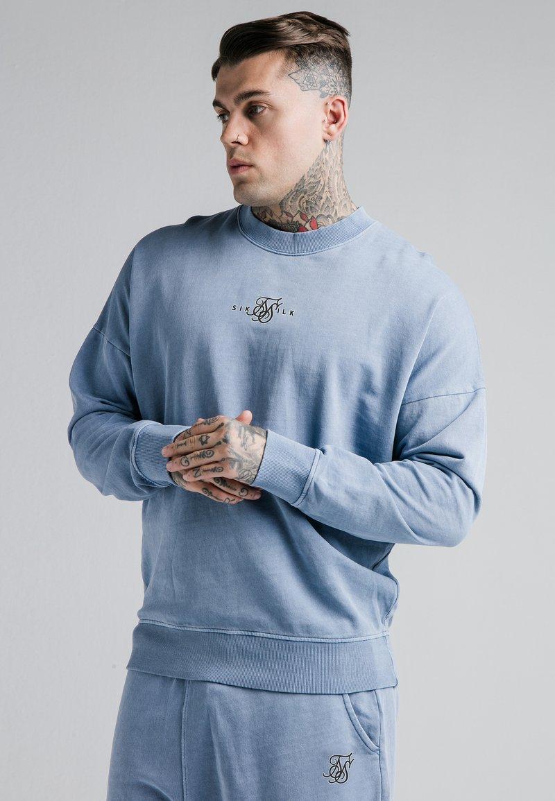 SIKSILK - CREW  - Sweatshirt - washed blue